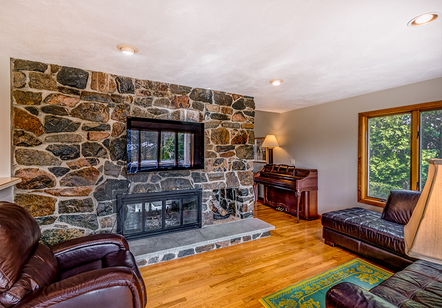 EckFoto Real Estate Photography - Home in Marblehead Living